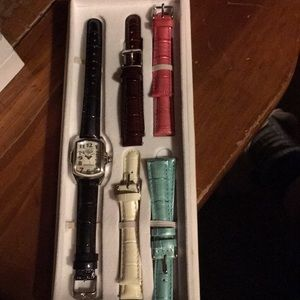 Invicta Accessories - Invicta women's watch with 4 extra leather bands